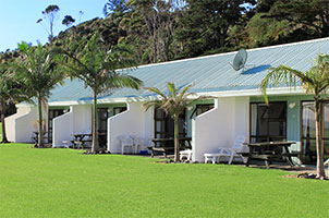 reef lodge motel waterfront